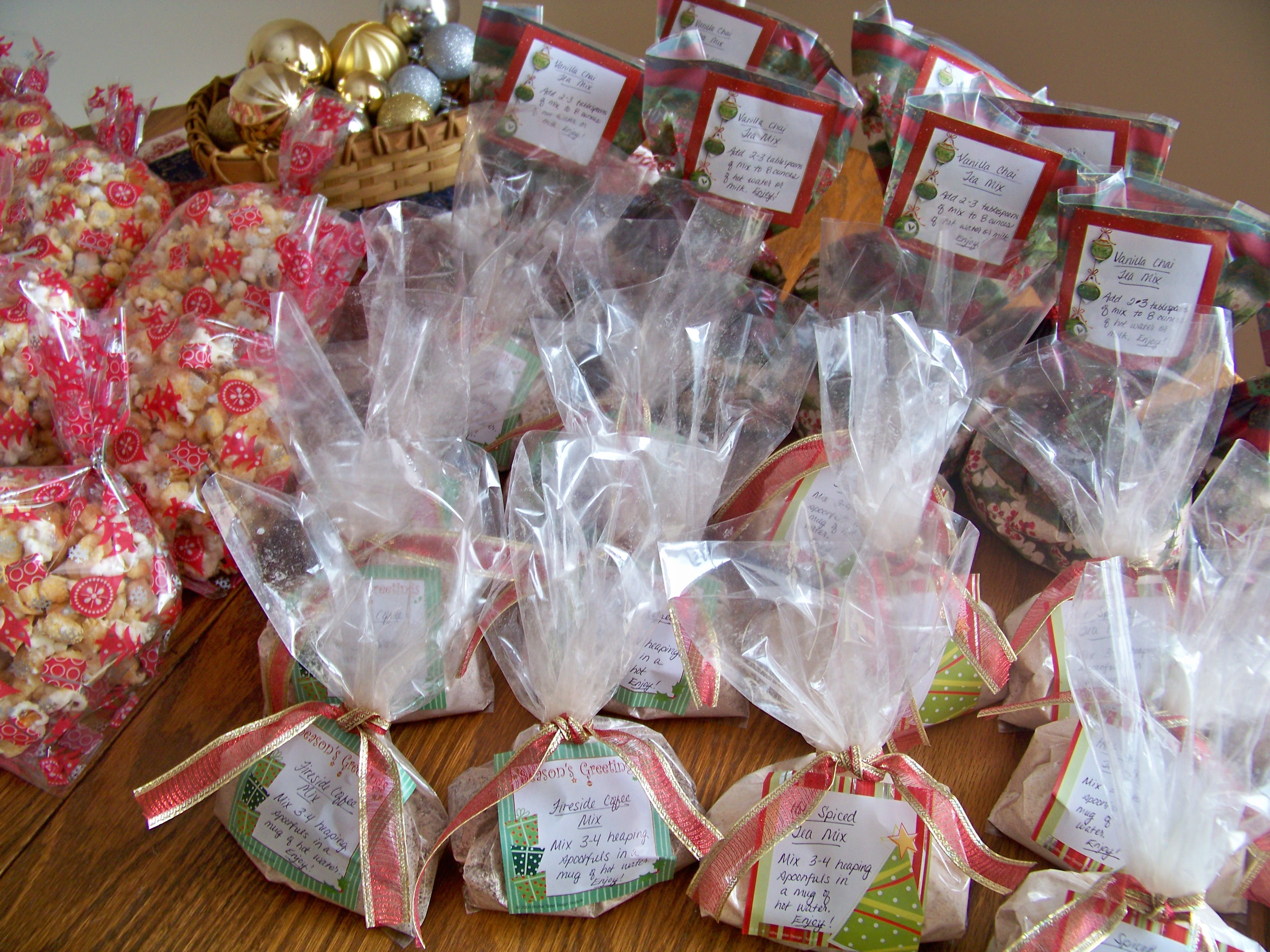 Celebrating a Simple Christmas: Homemade gifts - Money Saving Mom ...