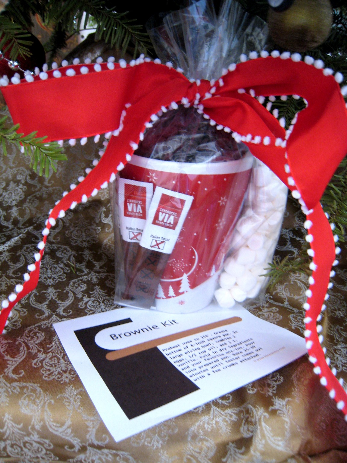 Celebrating a simple christmas homemade gifts for less for Homemade presents for mom christmas
